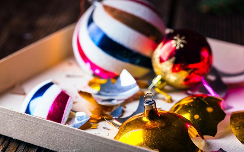 Rozbité vánoční koule