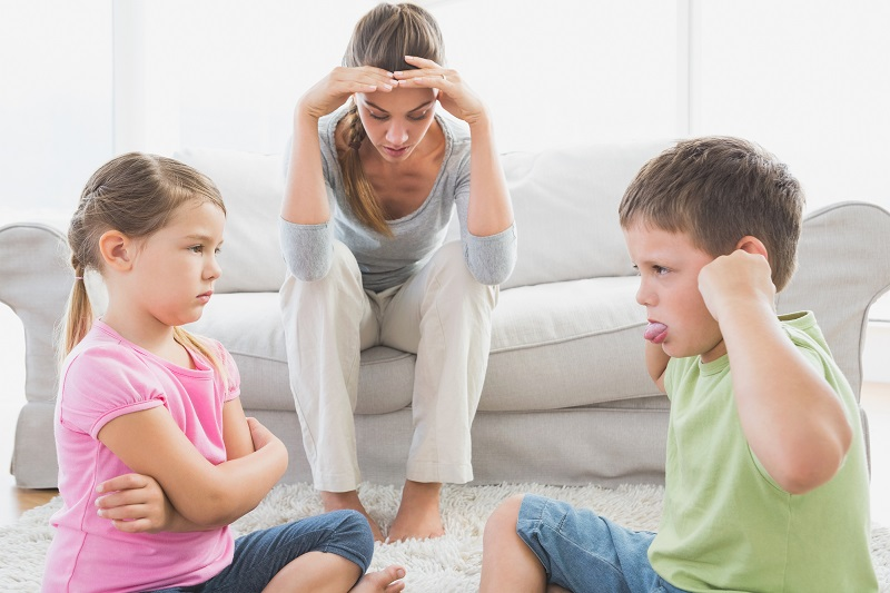 Hračky a dětské hádky
