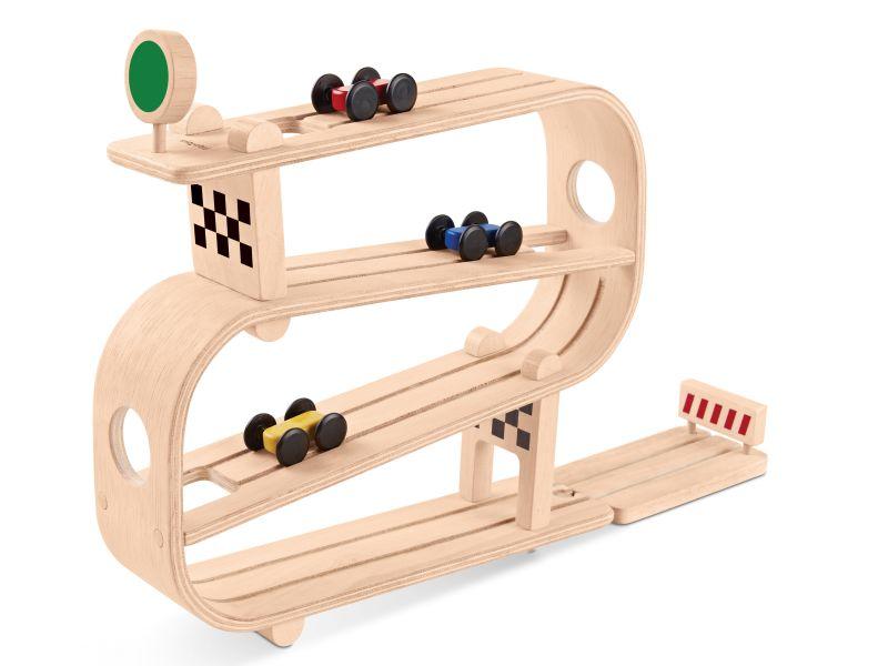 Dřevěná závodní dráha